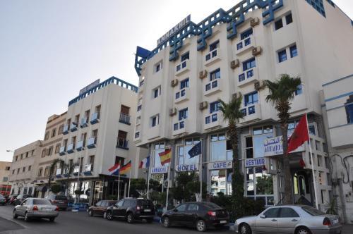 """أزمة """"كورونا"""" تهدّد فنادق الناظور بالإفلاس والمهنيون ينذرون بكارثة اقتصادية واجتماعية"""