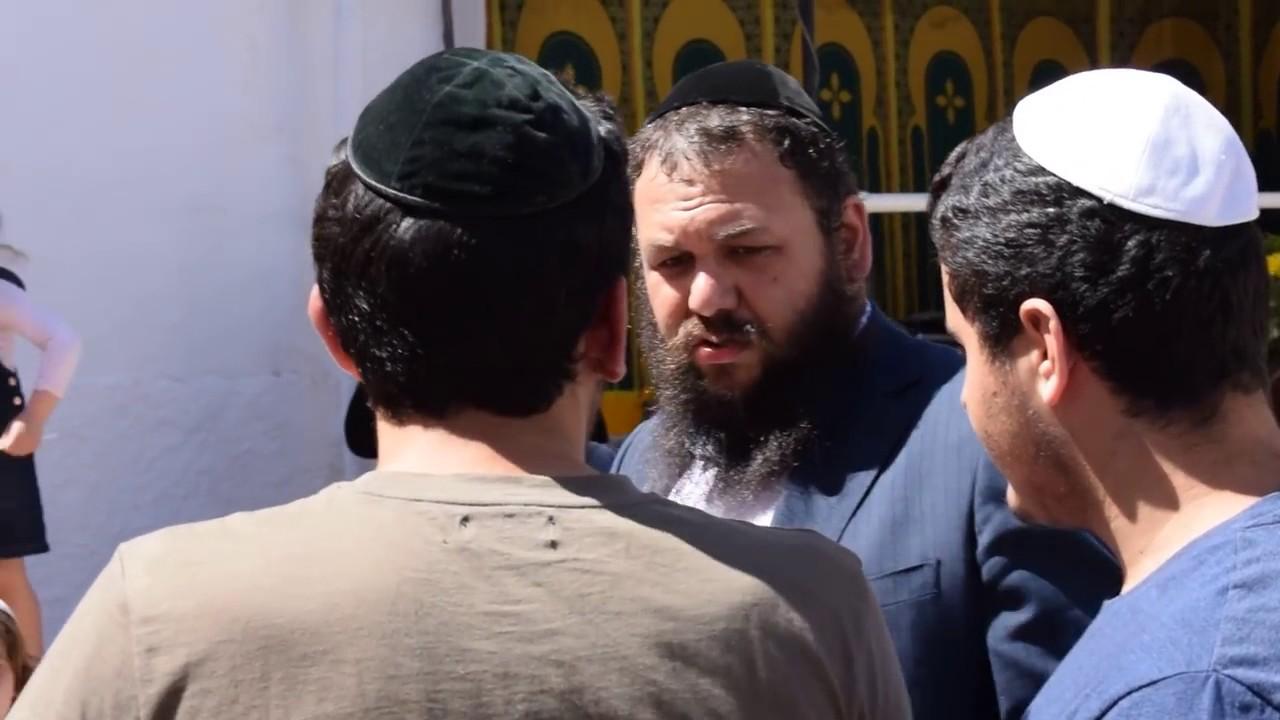 """رجال أعمال يهود بمليلية بينهم موزع جعة """"أمستل"""" يؤكدون تلقي تحفيزات وإعفاءات للاستثمار في بني أنصار"""
