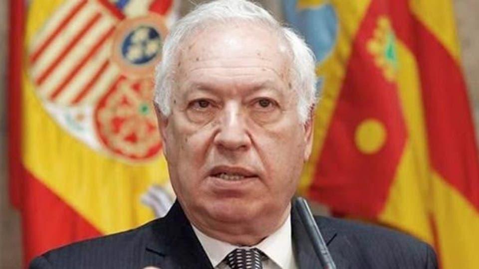 وزير الخارجية الإسباني السابق: تدفق مئات المهاجرين السريين علينا بعد اعتراضنا ليخت الملك محمد السادس