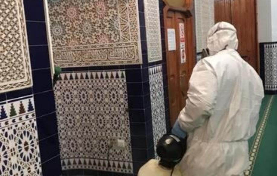 بعد خلاف طويل مع السلطات.. مساجد مليلية تفتح أبوابها في وجه المصلين