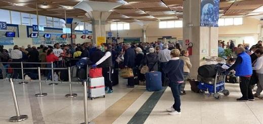 عودة 160 من المغاربة العالقين بإسبانيا بينهم 77 من عاملات الفراولة