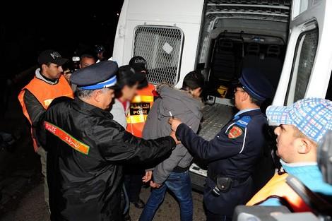 توقيف شخصين بتهمة ترويج المشروبات الكحولية والمخدرات بالعروي