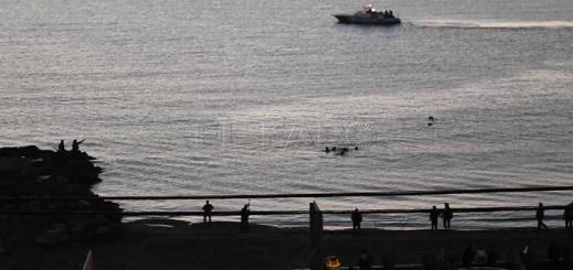 الحرس المدني ينقذ  مغربيا حاول العودة الى المغرب سباحة