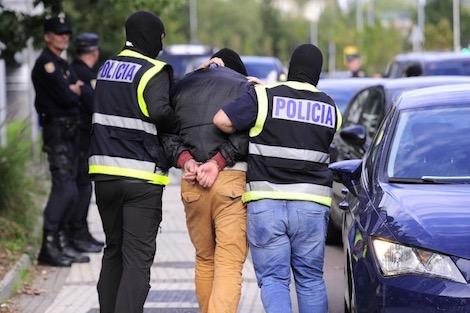"""مغربي في إسبانيا مهدّد بالسجن 12 سنة بسبب """"اعتدائه"""" جنسيا على زوجته دون رضاها"""