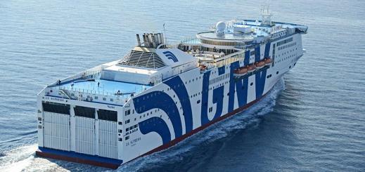 """إكتشاف حالات إصابة ب""""كورونا"""" في صفوف مسافرين من أفراد الجالية  قادمين على متن باخرة الى طنجة"""