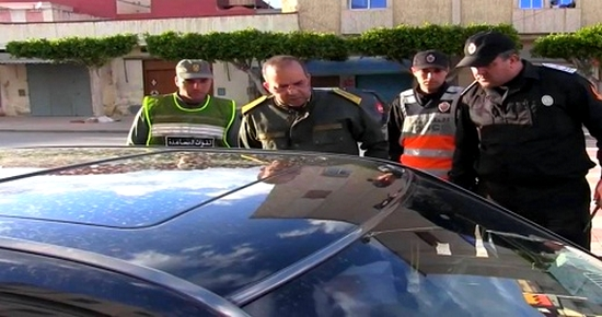 سلطات العروي تحرر مخالفات لموطنين بسبب عدم ارتداء الكمامات وتغلق محلين تجاريين