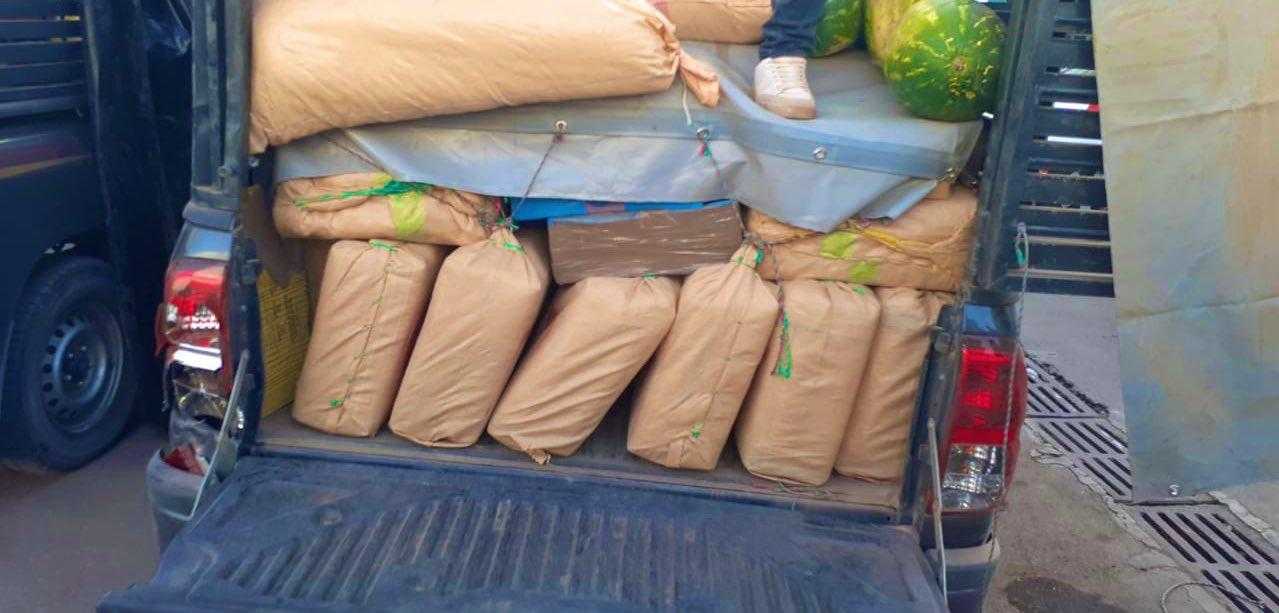 حجز 4 أطنان و85 كيلوغراما من مخدر الشيرا على متن سيارتين لنقل الدلاح