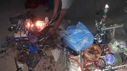 سلطات الناظور والشرطة الادارية تتلفان عشرات قنينات الشيشة والخمور