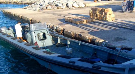 الناظور.. عناصر الدرك البحري تحبط تهريب كمية من المخدرات وتحجز قاربين مطاطين بأركمان وبويفار