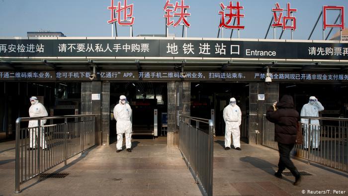 الصين تلغي مئات الرحلات الجوية إثر ظهور بؤرة وبائية جديدة