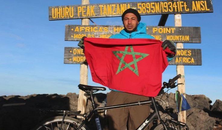 مغربي يصل إلى الأراضي السّعودية لأداء مناسك الحجّ بعد أربع سنوات من المشي