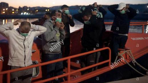رغم العيد وكورونا.. شباب من الحسيمة يصلون إلى إسبانيا على متن قارب للهجرة السرية