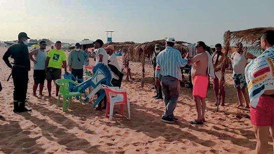 السلطات المحلية والدرك الملكي يحرران عشرات المخالفات بشواطئ قرية أركمان