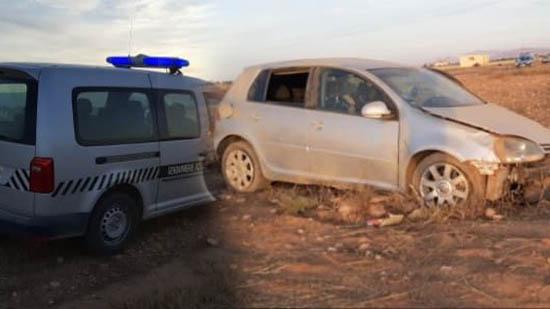 نجاة سيدة من موت محقق بعد إنقلاب سيارتها بين الدريوش وبن الطيب