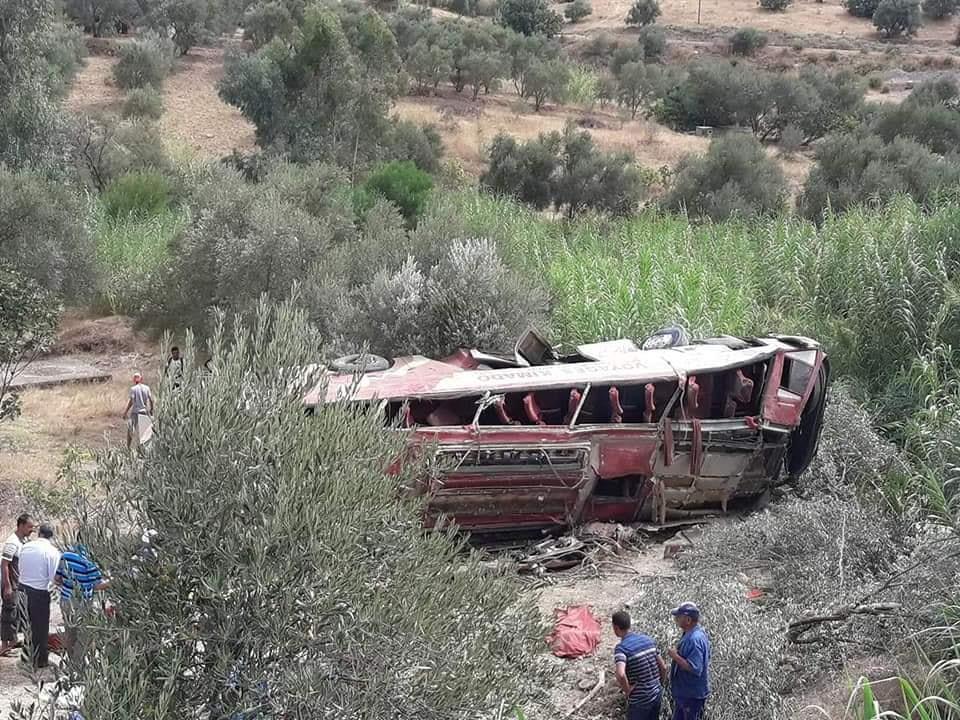 تفاصيل حادثة انقلاب الحافلة التي أودت بحياة 12 راكب