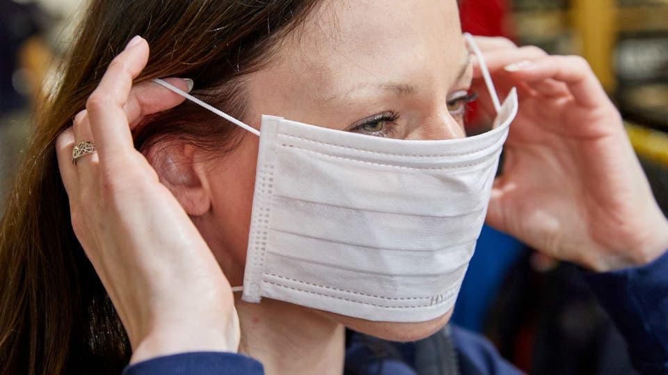 """علماء يوضّحون أسباب عدم ظهور """"أعراض كورونا"""" على 40% من المصابين بالفيروس"""