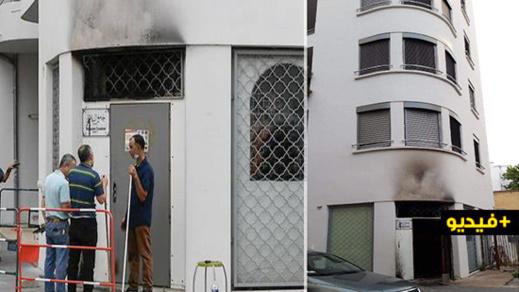 شاهدوا.. إضرام نار في مسجد بليون ووزير الداخلية الفرنسي : أفعال حقيرة وبغيضة