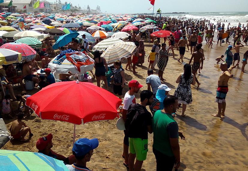 السلطات المغربية تشدّد المراقبة على شواطئ المملكة وقد تغلق بعضها