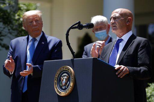 """بفضل المغربي منصف السلاوي.. ترامب يستعد لإعلان """"اختراق علاجي كبير"""" لكورونا"""