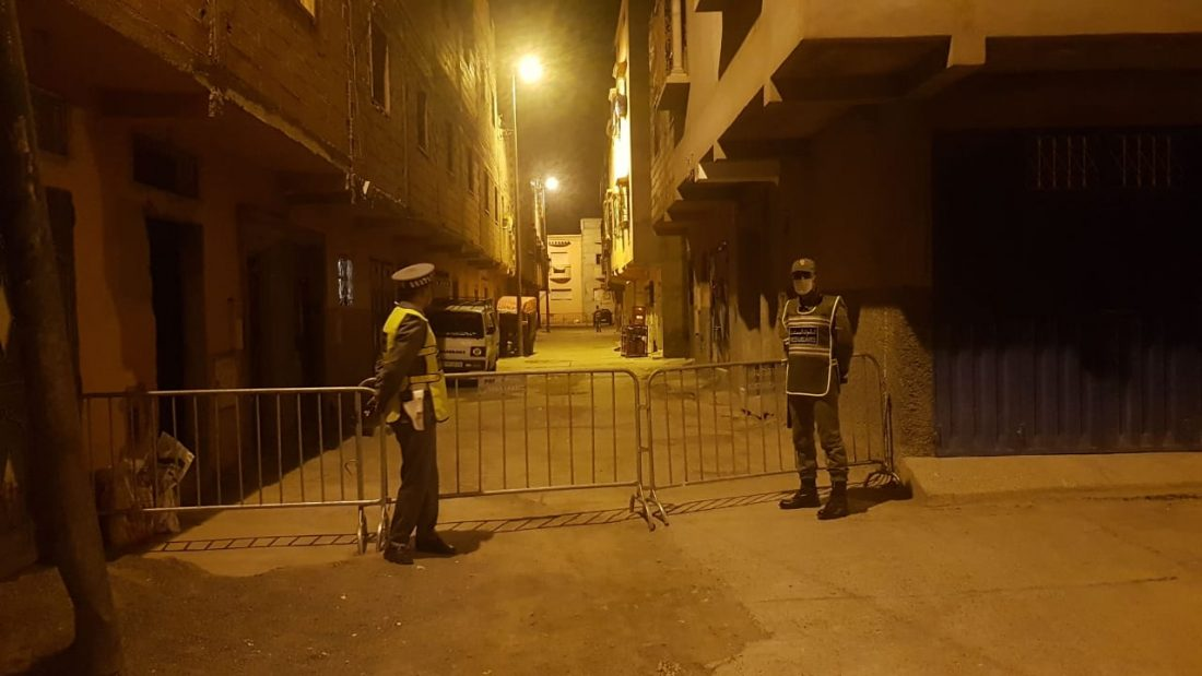 السلطات تغلق منافذ دوار بالريف بعد ظهور بؤرة جديدة بـ 32 مصاب سببها جنازة