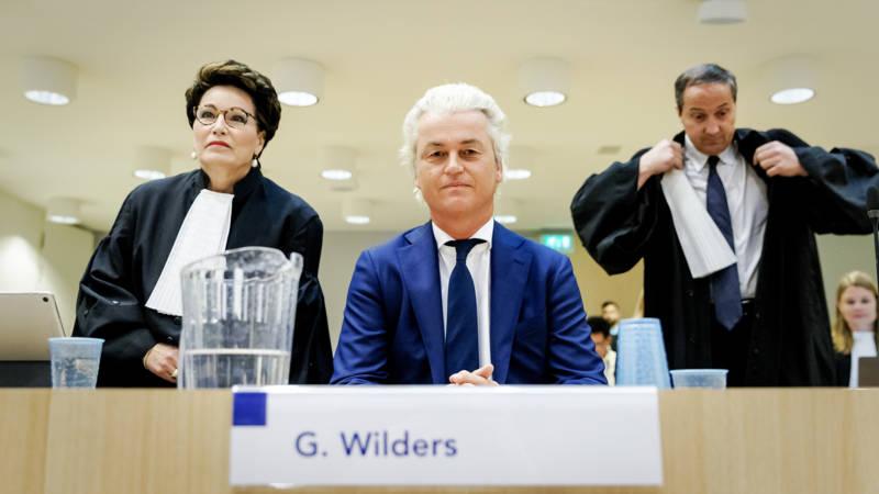 """في قضية """"إهانة مغاربة هولندا"""".. السياسي المتطرّف فيلدرز يطالب بتبرئته لظهور دليل جديد"""