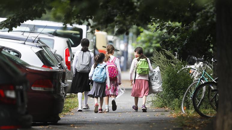 منظمة الصحة العالمية تحذّر بلدان أوروبا من خطورة عودة التلاميذ إلى المدارس