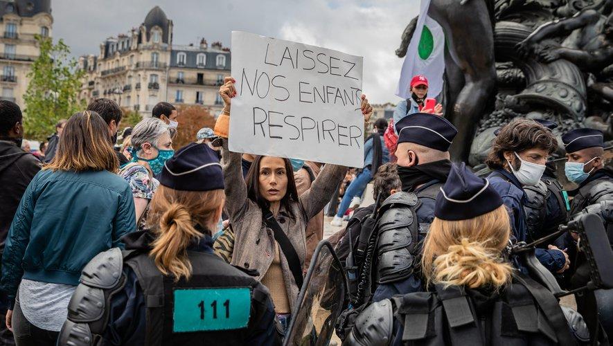 """فرنسا.. احتجاجات في باريس ضدّ فرض وضع الكمامات """"دون مبرّر"""""""