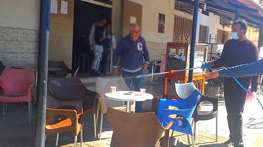 بسبب فيروس كورونا.. سلطات إقليم الناظور تغلق مقهى وسط مدينة زايو
