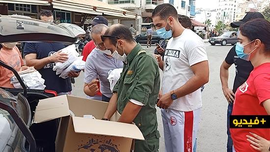 """سلطات الناظور وجمعيات محلية تقود حملة تحسيسية وتوزع الكمامات للوقاية من """"كورونا"""""""