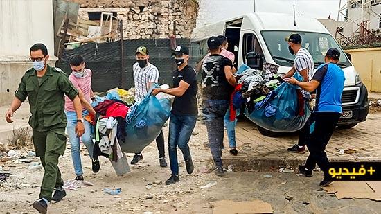 """سلطات الناظور تواصل """"حربها"""" ضد الفراشة بساحة مسجد الحاج مصطفى"""