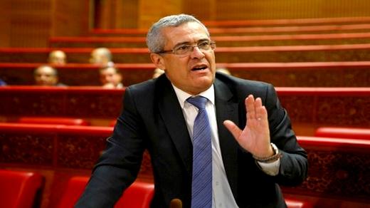 وزير العدل يتعرض لحادثة سير وخسائر في سيارته