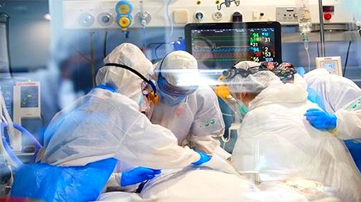 فرنسا تسجل رقما قياسيا جديدا في الإصابات بفيروس كورونا منذ ظهور الوباء