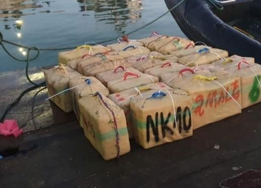 """إحباط محاولة للتهريب الدولي للمخدرات وحجز طن و20 كيلوغراما من """"الشيرا"""""""