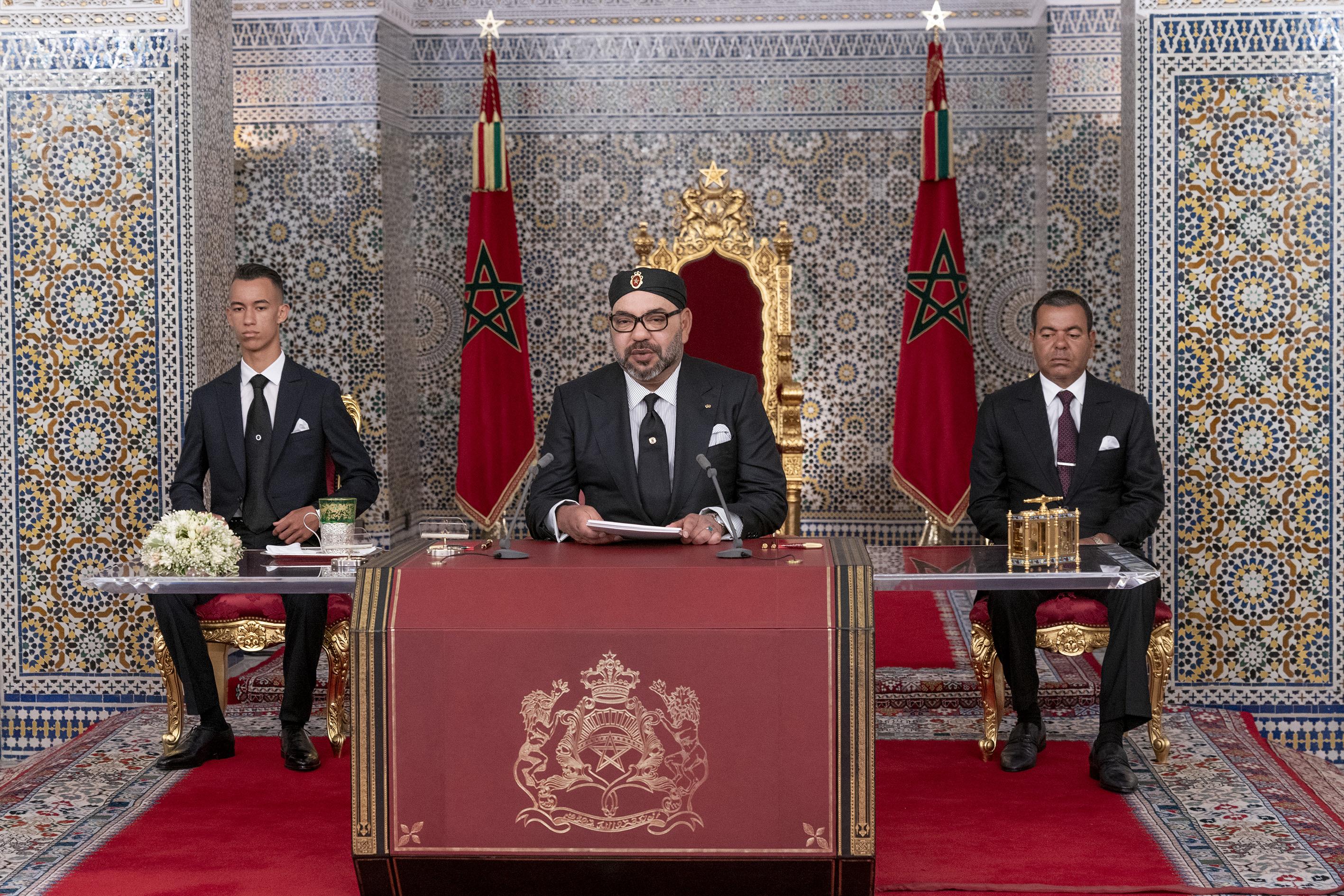 """الملك يترأس افتتاح البرلمان في دورته الخريفية """"عن بعد"""".. الديوان الملكي يؤكد"""