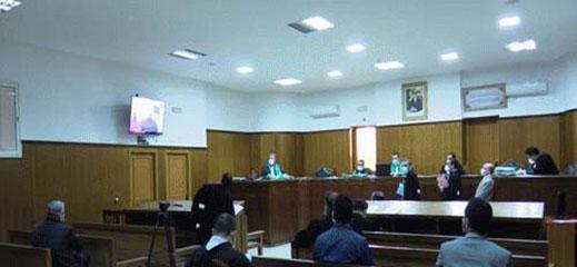 جنايات الناظور توزع 14 سنة من الحبس على متهمين بالسرقة والاعتداء على المواطنين