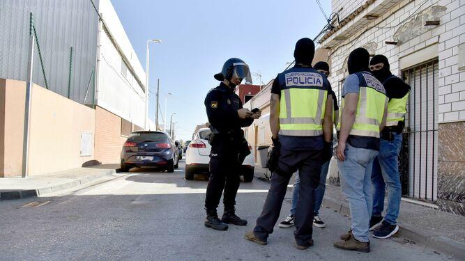 بتهمة تهريب المخدرات.. القضاء الإسباني يُدين ثلاثة مغاربة بـ18 سنة سجنا و18 مليون أورو
