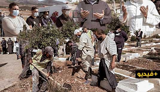 """شاهدوا.. تشييع جنازة عبد القادر صبار بمقبرة """"سيدي سالم"""" بالناظور"""