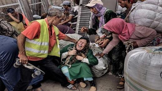 الجمعية المغربية لحقوق الإنسان تطالب بفتح المعابر الحدودية لإنهاء معاناة العمال وممتهني التهريب المعيشي