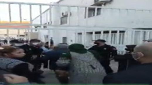 مرضى كورونا يحتجون أمام مستشفى الفارابي بوجدة من أجل الدواء