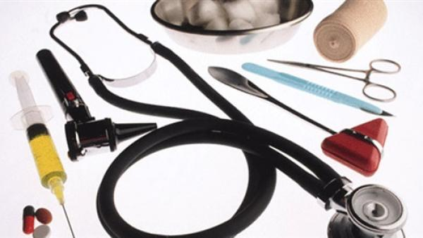 حقوقيون يدقون ناقوس الخطر بشأن النقص الكبير في المستلزمات الطبية