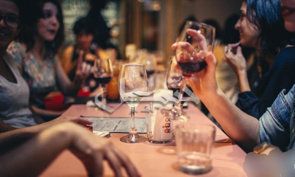 الإمارات تسمح باستهلاك الخمور والسكن المشترك بين الجنسين بدون زواج