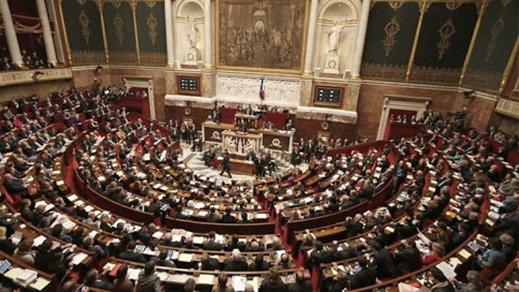 المحكمة الفرنسية تدين برلمانيا من أصول مغربية بسبب تبديد أموال جمعية بمراكش وباريس
