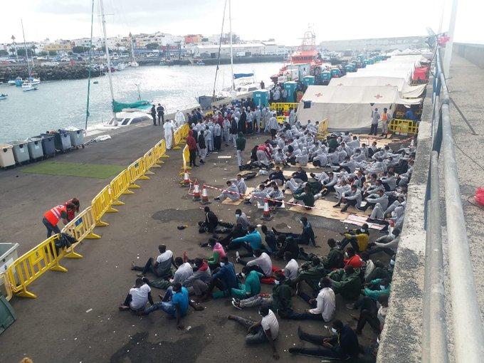 """رجال أعمال إسبان: الهجرة السرية إحدى وسائل المغرب لـ""""معاقبة"""" جزر الكناري"""