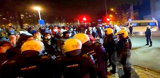 إصابات واعتقالات خلال مظاهرة ضد قيود فيروس كورونا في بلجيكا