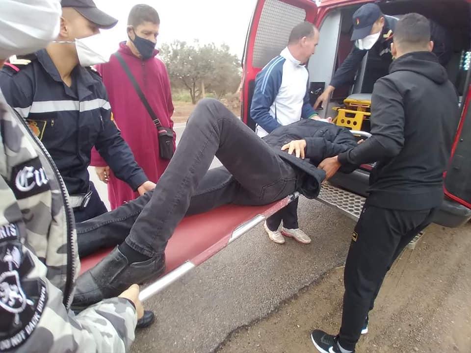 حادثة سير خطيرة ترسل الناشط الأمازيغي رشيد زناي إلى المستشفى