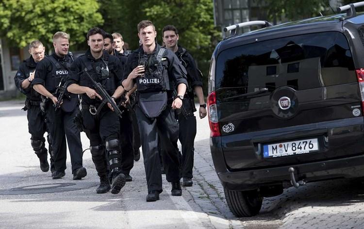 ألمانيا.. قتلى وجرحى في حادث دهس على طريق للمشاة