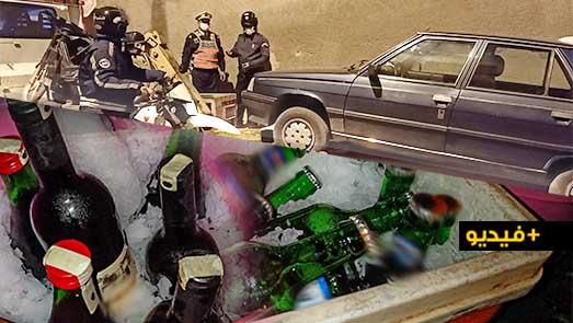 شاهدوا.. عناصر فرقة الصقور تحجز سيارة محملة بكمية من الخمور وسط الناظور