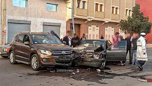 إصابة شابة بجروح في حادثة سير بمدخل مدينة العروي