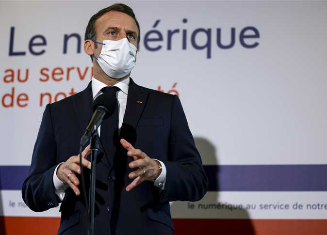 """أخيرا.. الرئيس الفرنسي """"المتهور"""" يعتذر عن الرسوم الكاريكاتورية المسيئة"""