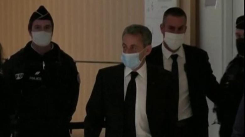 """""""لم أتورّط أبدا في أي فساد"""".. تفاصيل أولى جلسات محاكمة الرئيس الفرنسي الأسبق ساركوزي"""